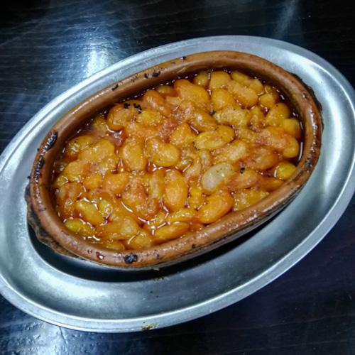 A dish of tavce gravce in Skopje